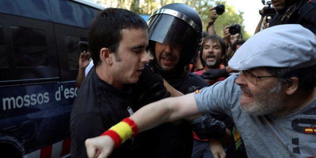 Après les attentats, la Catalogne plus divisée que
