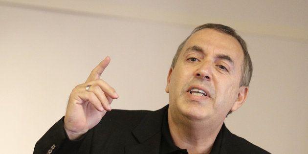 Jean-Marc Morandini répond aux journalistes d'iTELE qui lui demandent de ne pas venir sur la