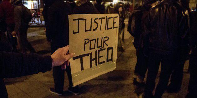 L'appel au calme de Théo nous rappelle ce qu'est la dignité humaine (et on en a bien besoin). AFP PHOTO...