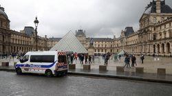 L'assaillant du Louvre mis en examen pour tentatives d'assassinats