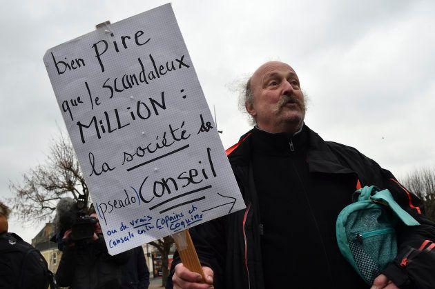 Flop de la manifestation anti-François Fillon à