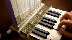 Cet artisan a construit un orgue en papier
