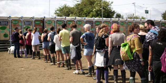4 conseils pour survivre aux toilettes de Rock en Seine (et des autres festivals).