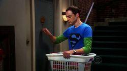 On sait enfin pourquoi Sheldon tape trois fois à la