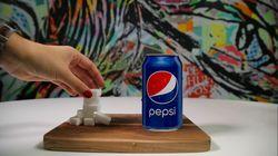 En fait, Pepsi va enlever l'équivalent de deux morceaux de sucre de ses