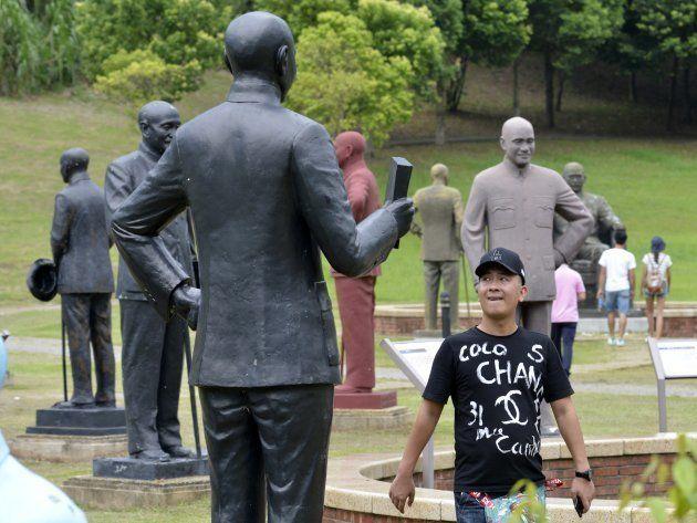 À Taïwan, 253 statues d'un personnage controversé regroupées dans un seul
