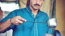 Ce beau vendeur de thé apaise les tensions entre l'Inde et le
