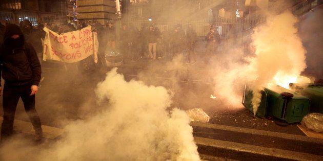 Affaire Théo: Manifestation tendue contre les violences policières à Barbès, des gaz lacrymogènes