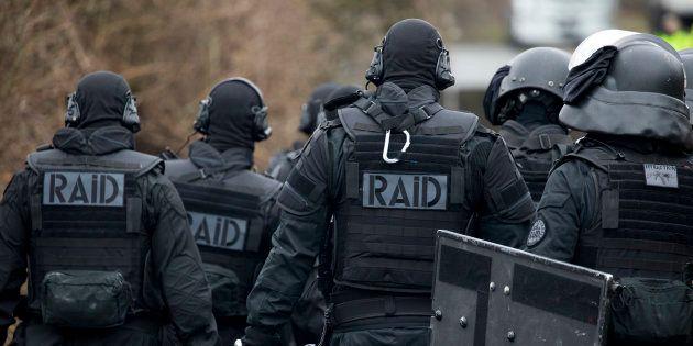 Photo d'illustration. Des membres du Raid lors d'un exercice anti-terroriste à Sens, en mars