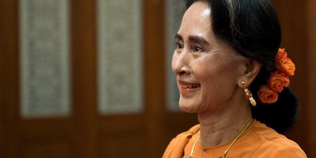 Aung San Suu Kyi, cheffe du gouvernement