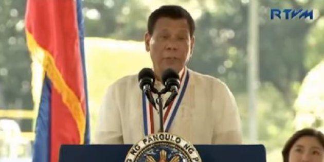 Rodrigo Duterte, le président des Philippines donne l'ordre aux policiers de