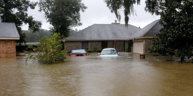 Les voitures ensevelies dans la ville de Houston, au