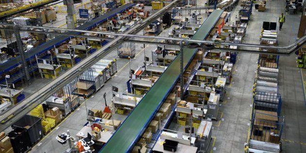 Le centre de distribution d'Amazon à Saran dans le