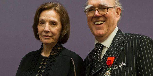 Marlene et Spencer Hays, portant sa médaille d'Officier de la Légion d'honneur, pour l'inauguration de...