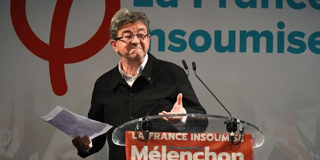 Mélenchon propose un débat à Philippe et Macron sur le