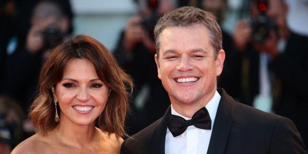 Matt Damon et Luciana Barroso sur le tapis rouge de la Mostra de Venise pour assister à la projection