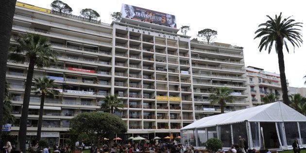 La façade du Grand Hôtel de Cannes, photographiée en