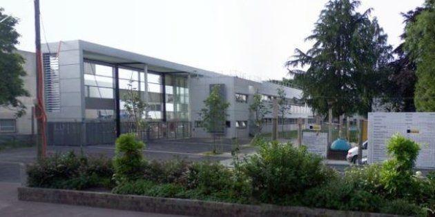 Devant le lycée professionnel Hélène-Boucher de