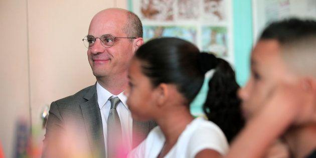 Dans notre baromètre YouGov, les premières mesures du ministre de l'Education font