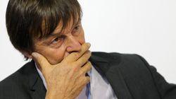Des perturbateurs endocriniens retrouvés dans les cheveux de Nicolas Hulot (et six autres