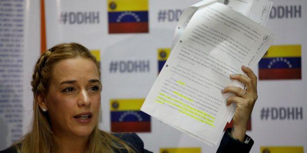 Lilian Tintori lors d'une conférence de presse, le 29 août 2017 à Caracas, au