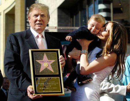 Donald Trump à côté de son épouse Melania lors de l'inauguration de son étoile sur le Walk of Fame à...