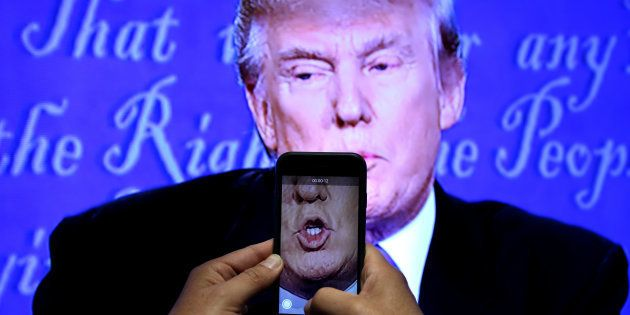 Les ex-conseillers de Donald Trump expliquent comment ils l'ont empêché d'exploser sur