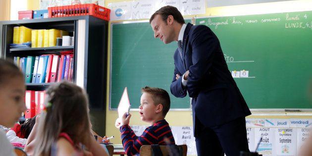 Emmanuel Macron visitant une école à Forbach (Moselle) pour la rentrée des classes