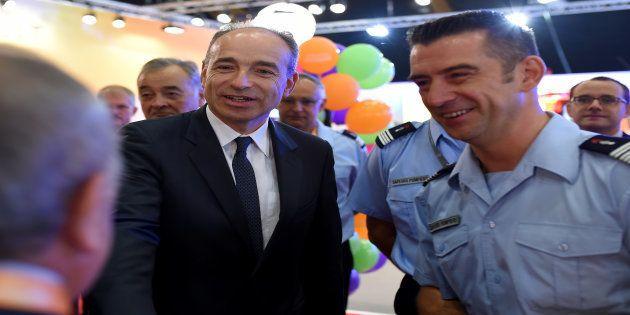 Le candidat LR à la primaire de la droite Jean-François Copé assiste au 123ème congrès national des sapeurs-pompiers...