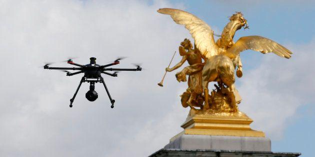 La ministre des Armées Florence Parly annonce l'armement des drones