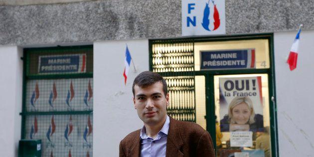 Gaël Nofri devant les locaux du FN à Nice, le 26 novembre