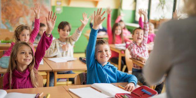 Réduire le nombre d'élèves par classe, un facteur de réussite scolaire pour un meilleur salaire plus tard