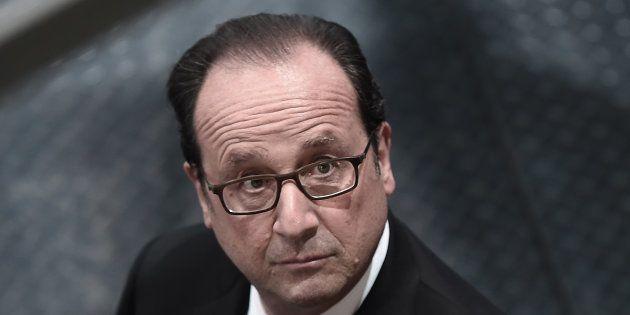 Il n'y a plus de respect: Hollande plus attaqué que jamais, y compris dans son propre