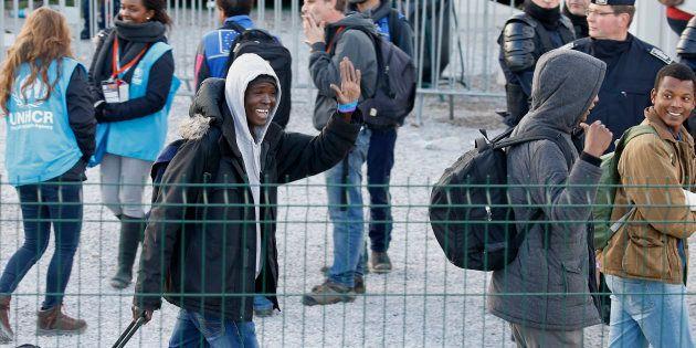 Des migrants quittant