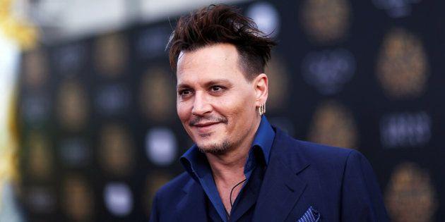 Johnny Depp pose pour la première du