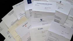 Cette auteure partage une photo avec toutes ses lettres de refus d'éditeurs, appelant à ne pas baisser les
