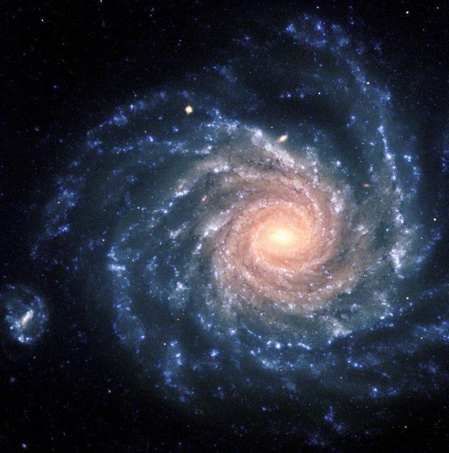 La galaxie NGC 1232, que l'on voit d'au-dessus depuis la