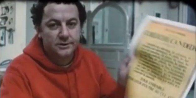 Coluche présentant sa candidature à la présidentielle de