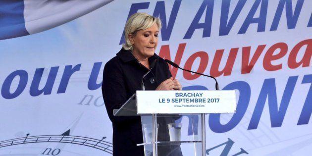 A Brachay, la présidente du Front national Marine Le Pen a mis en cause ce samedi le gouvernement pour...