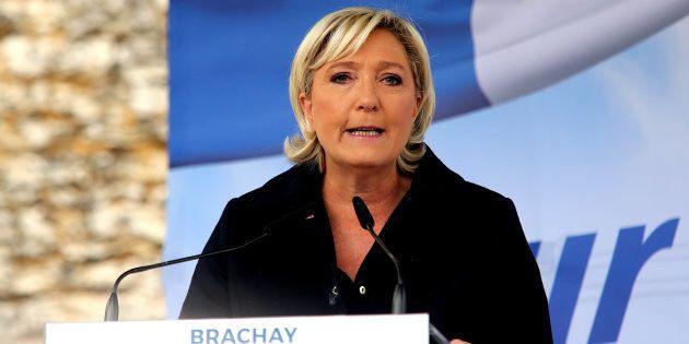 Marine Le Pen entre