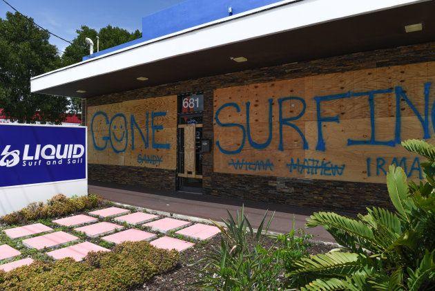 Un magasin d'accessoires de surf, à Fort Lauderdale en