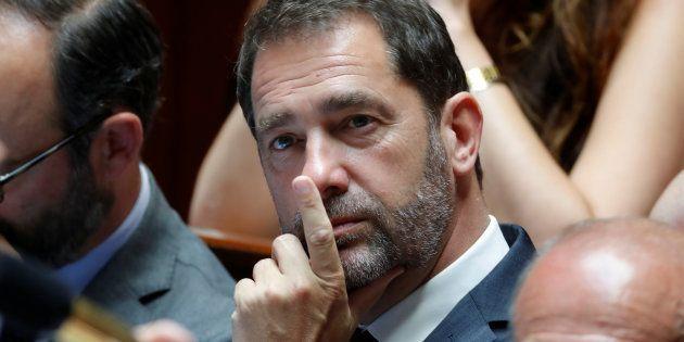 Christophe Castaner a accusé un universitaire, détracteur d'Emmanuel Macron, d'être un soutien de Marine...