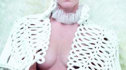 Emma Watson accusée d'hypocrisie après sa photo seins nus dans Vanity