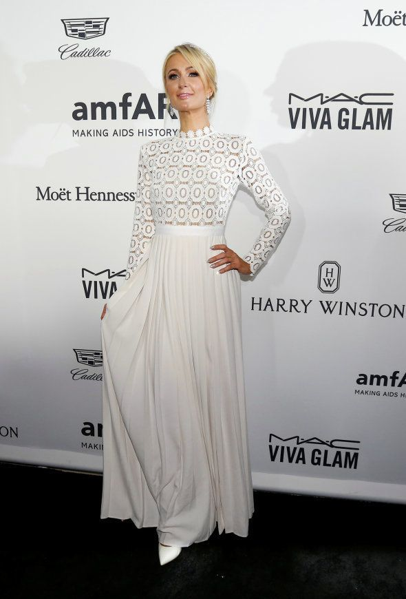 Paris Hilton au gala de l'amfAR Inspiration à Los Angeles le 27 octobre