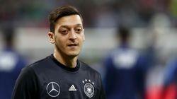 Mesut Özil révèle prier en turc pendant l'hymne allemand avant les