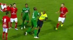 Ce joueur de foot brésilien n'a vraiment pas aimé recevoir un carton