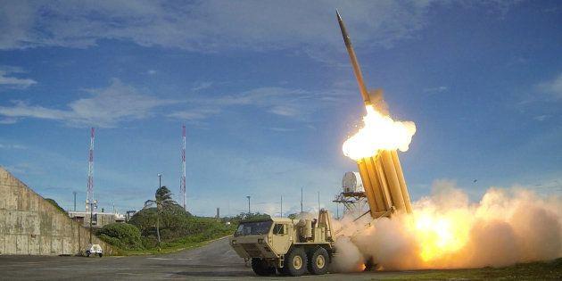 Les États-Unis déploient le bouclier antimissiles THAAD après les tirs