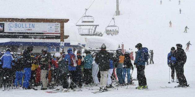 Des skieurs à Tignes le 7 mars