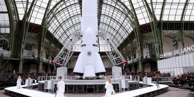 Le défilé Chanel au Grand Palais le 7 mars