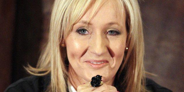 J.K. Rowling précise que la journée internationale de l'Homme est le 19